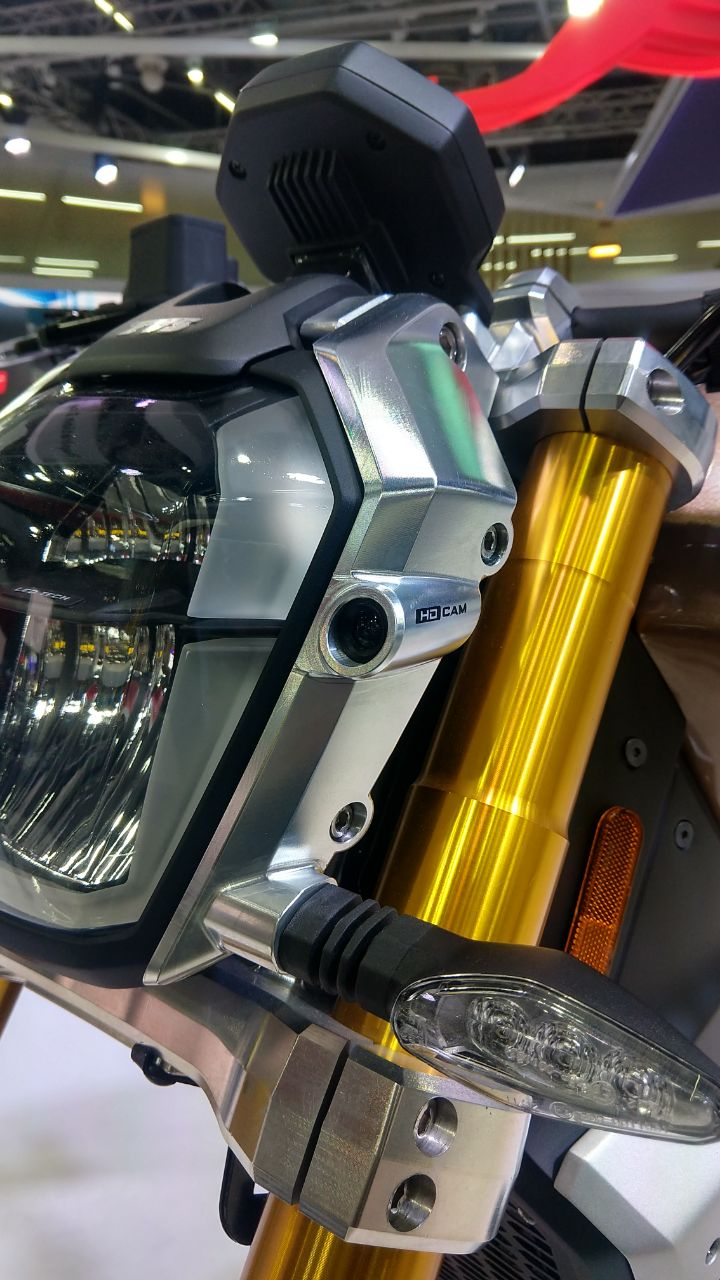 <p>That's the TVS Zeppelin concept with a high-definition camera!</p>