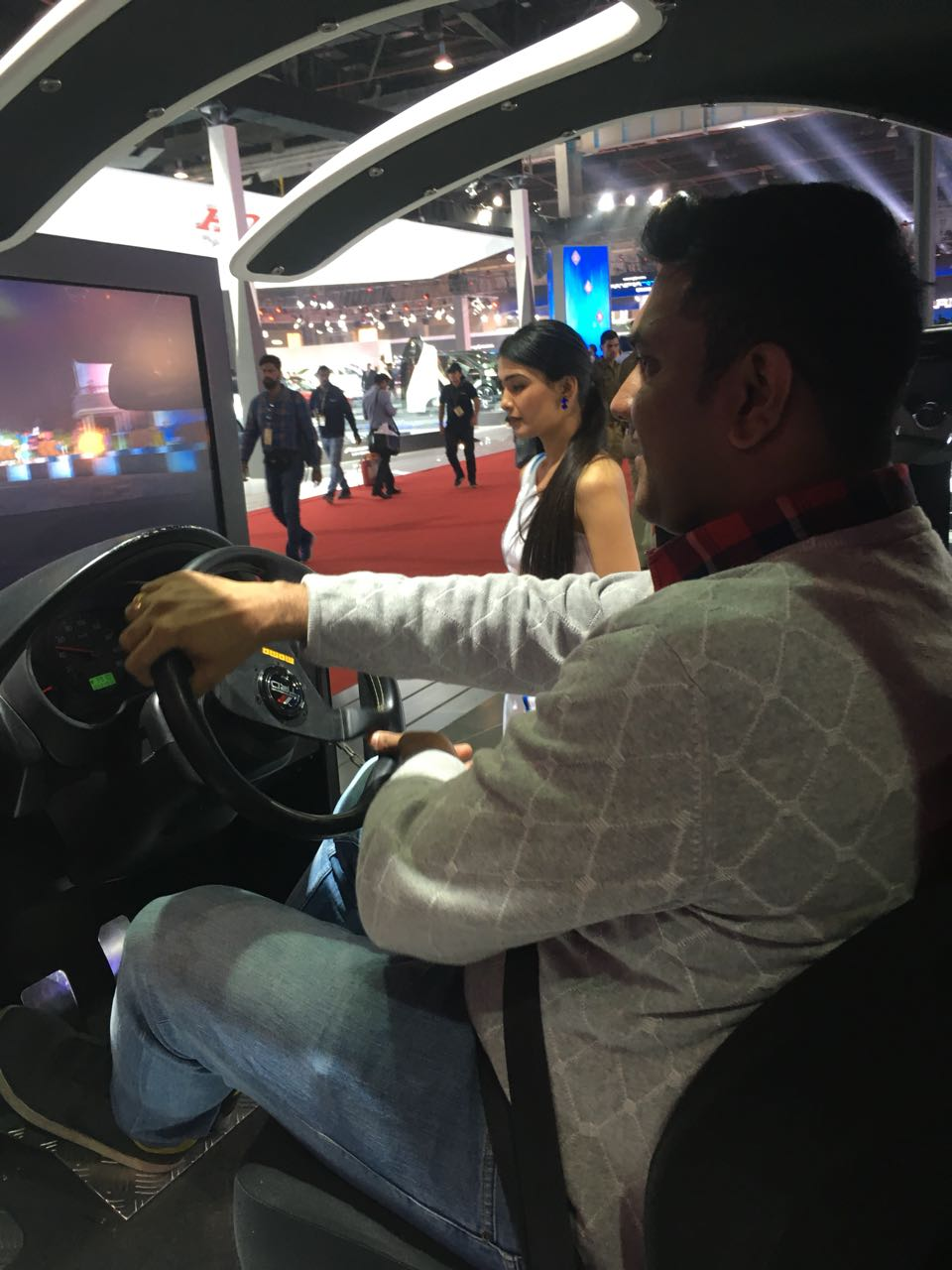 <p>Rishab from Team OD trying out Toyota's sensor detection simulator at the Auto Expo 2018</p>