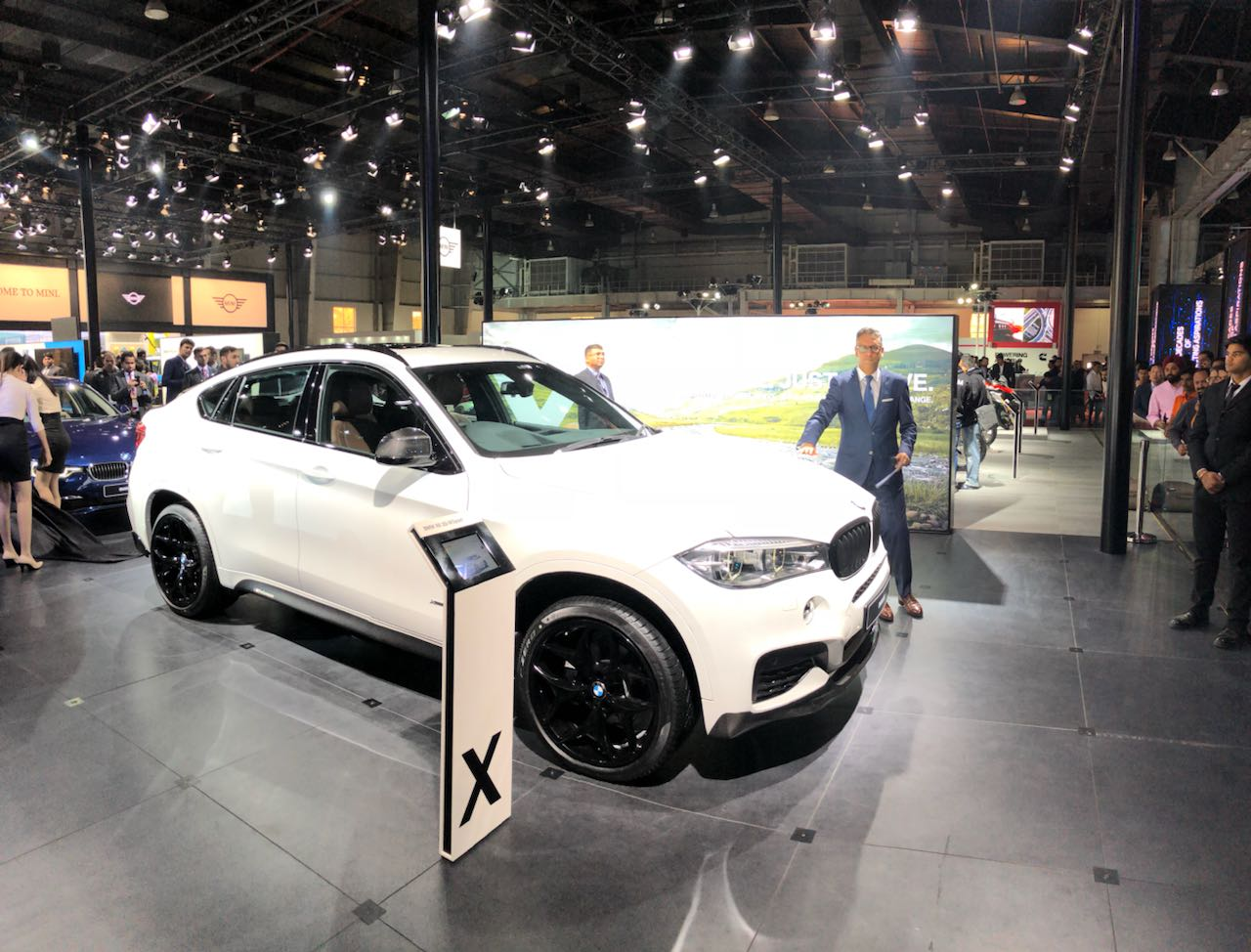 <p>The new X6 35i range on sale. Adds petrol options. Prices start at ₹94.15 lakh ex-showroom</p>