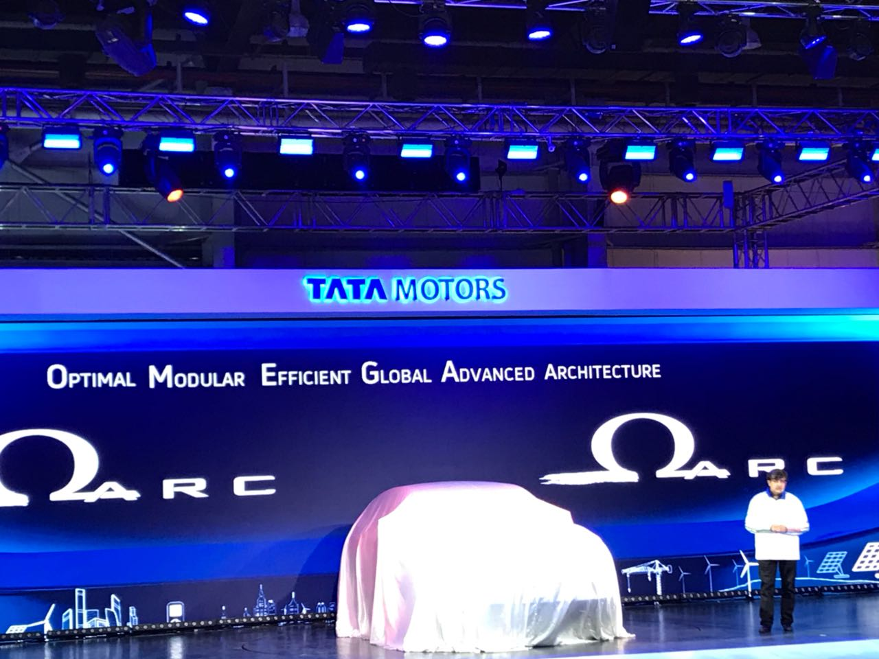 <p>H5X is the first vehicle to be developed on Tata's new Omegarc architecture</p>