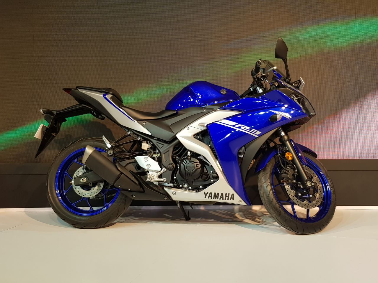 <p>The Yamaha YZF-R3 with ABS! </p>