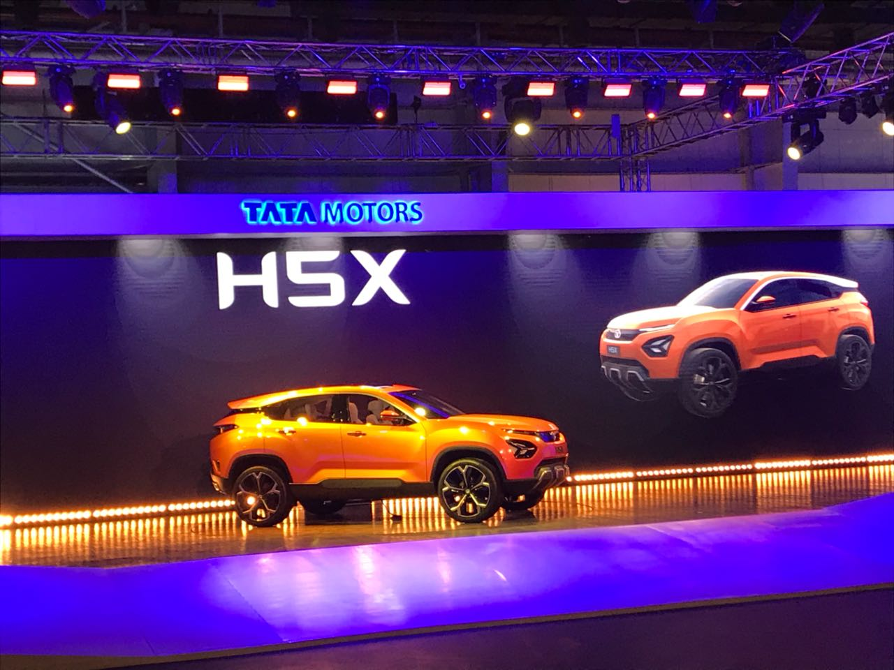 <p>Tata H5X gets Impact design 2.0 language, Omega arc platform- Derived from JLR platform. </p>