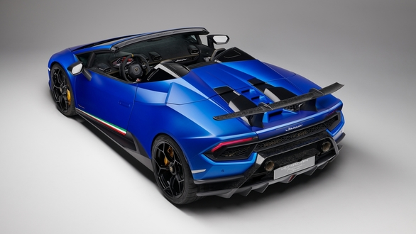 <p>The Lamborghini Huracan Performante Spyder that was launched at the Geneva Motor Show yesterday offers 30PS and 40Nm more than the standard Huracan Spyder and is also 35kg lighter! </p>