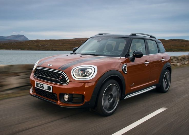 <p>The 2018 Mini Countryman has three driving modes-Sport, Mid and Green. Driving assistance systems include Cruise Control, Parking Assistant, Rear View Camera with Sensors and a Head-Up Display.</p>
