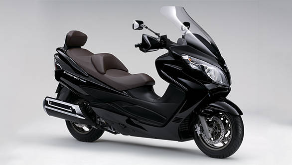 <p>The design is inspired by the Suzuki Burgman 650 maxi scooter.</p>