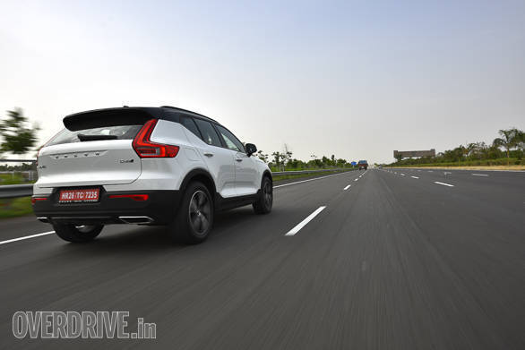 "<p dir=""ltr""><span style=""background-color:transparent; color:rgb(0, 0, 0); font-family:arial; font-size:11pt"">The Volvo XC40 is also marginally larger than its competitors, as far as exterior dimensions are concerned</span></p>"