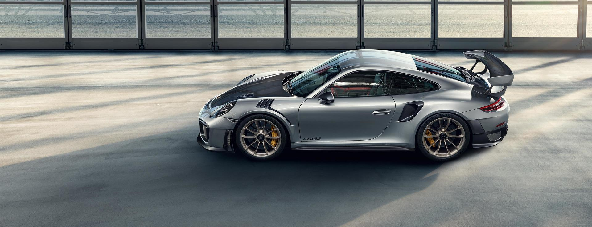 <p>The Porsche 911 GT2RS has been launched in India at a starting price of Rs 3.88 crore ex-showroom</p>
