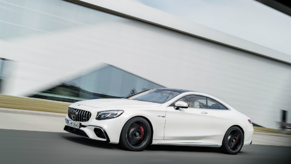 <p>Gets a new headlamp design and a Panamericana grille. The front looks sportier than before.</p>