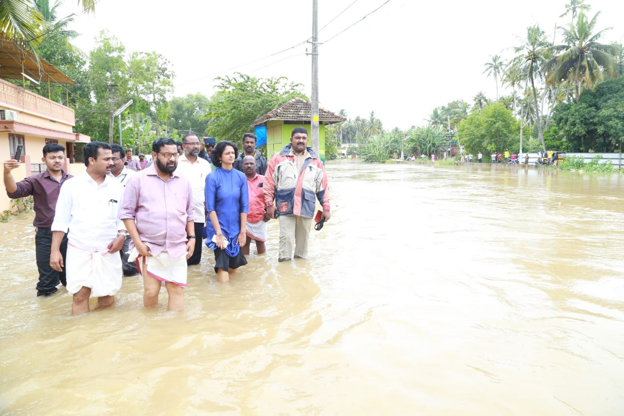 All districts of Kerala flooded, rescue operations underway