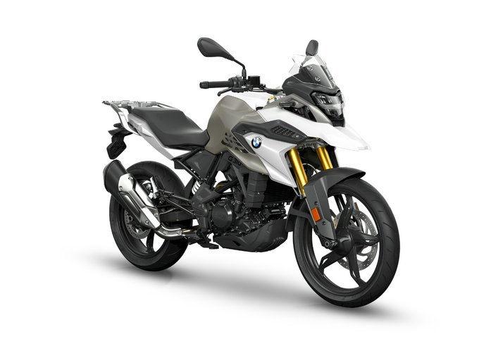 <p>All-LED lighting, adjustable brake and clutch levers are some of the highlights of the new BMW G 310 GS and G 310 R models.</p>